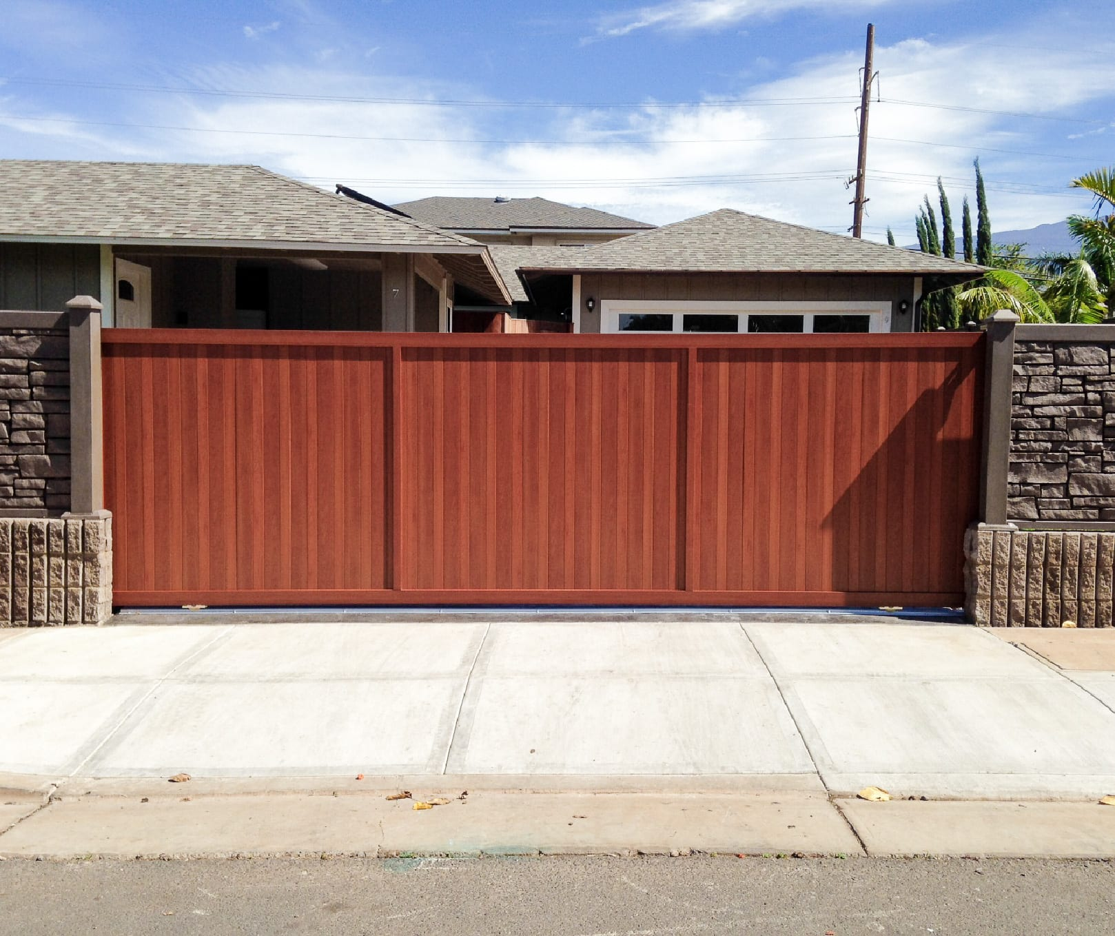 Aluminum Gate Systems That Look Like Wood Knotwood
